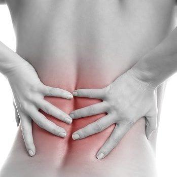 Die Ursachen für Muskelverspannungen sind vielfältig, die drei Hauptfaktoren sind jedoch der Lebensstil, die Ernährung, Stress und Angst.