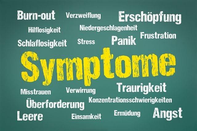 Schmerzsymptome werden stark von Faktoren wie Stimmungslage, soziale Ungerechtigkeit, familiäres Umfeld und der Arbeitsplatzsituation beeinflusst.