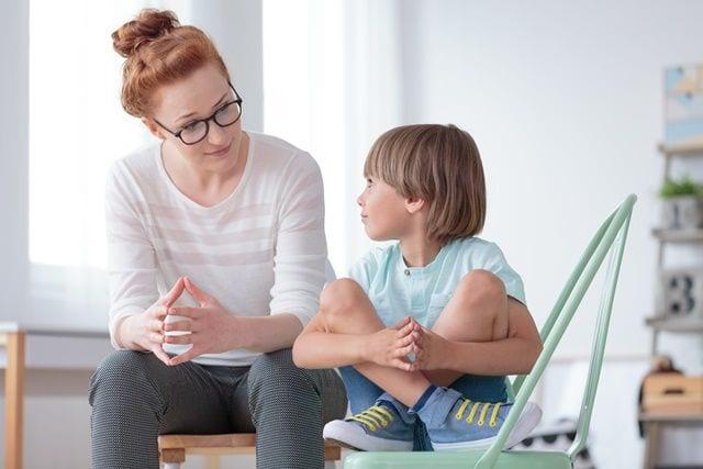 Kommunikation der Mutter mit Ihrem Kind um Verständnis für seine Probleme bekommen