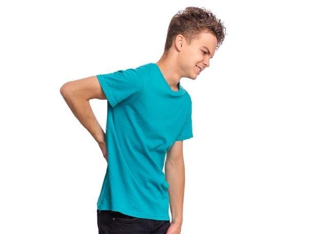 Kind mit chronischen Rückenschmerzen