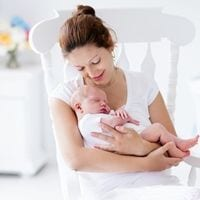 Die BACKLAxx-Matte wird auch von Hebammen bei Wochenbettbesuchen eingesetzt um Verspannungen bei stillenden Müttern durch Fehlhaltungen zu beseitigen.