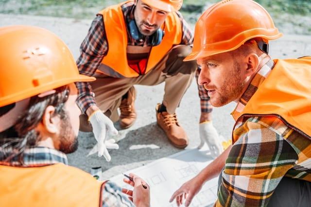 Eine gute Planung verhindert Zeitdruck und reduziert die Belastung der Mitarbeiter auf der Baustelle.