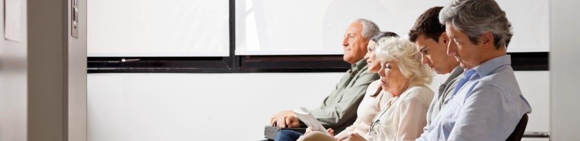 Rückenschmerzen können jeden Treffen, ob jung, alt, Frau oder Mann. Auch spielt der Beruf eine wesentliche Rolle, einige Berufsgruppen sind besonders gefährdet.